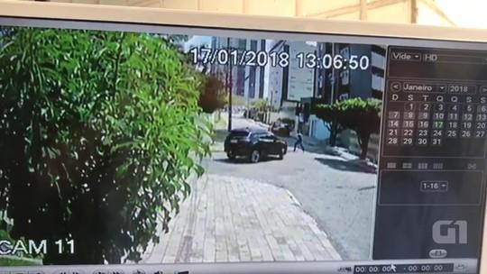 Cantora Renata Arruda tem carro roubado ao sair de casa em João Pessoa; vídeo