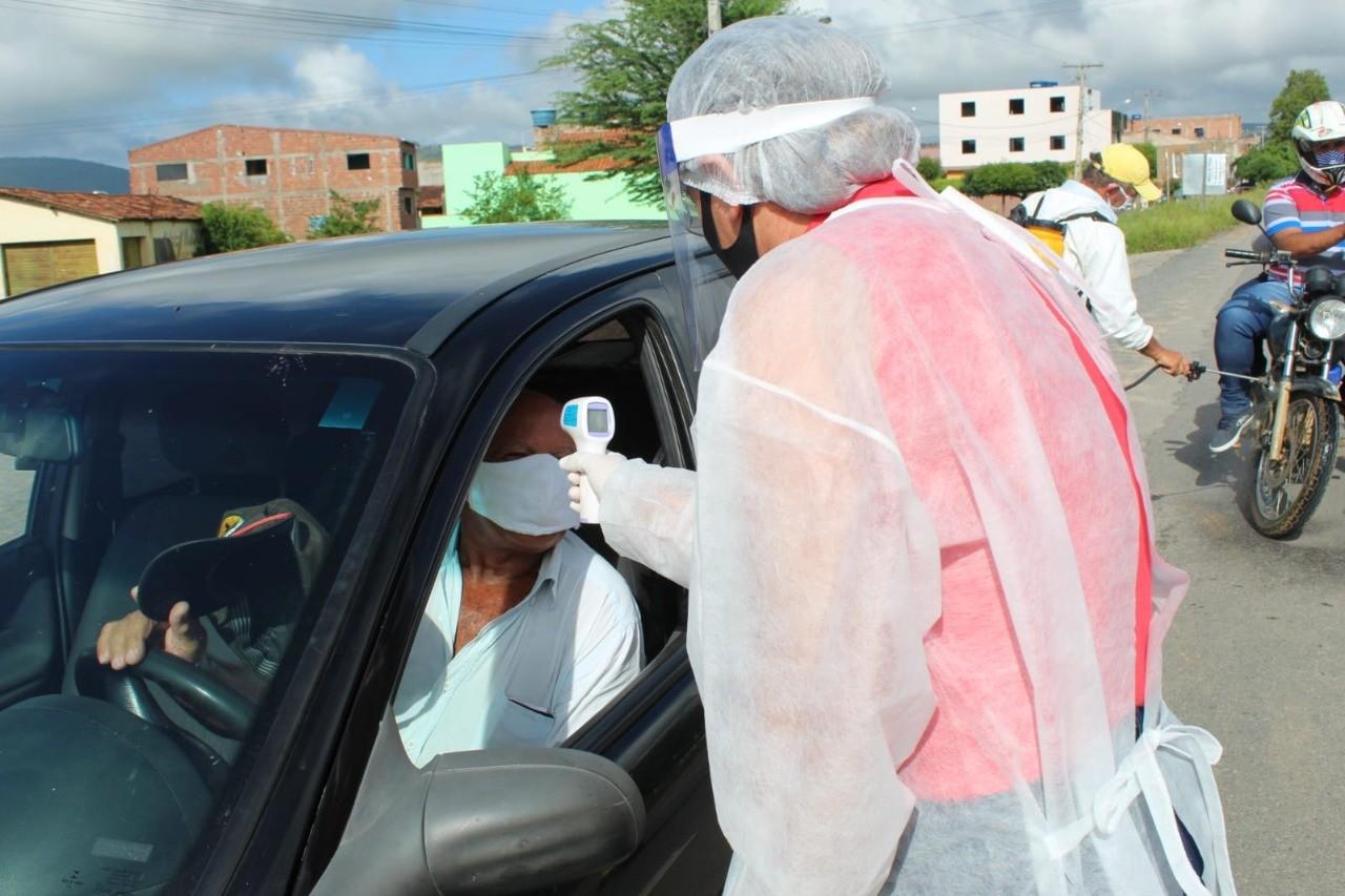 Riacho das Almas instala barreiras sanitárias nos principais acessos ao município pela PE-95