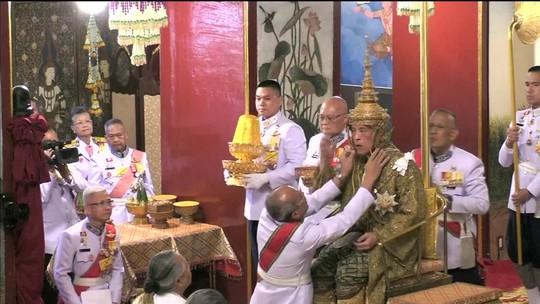 Tailandeses começam rituais de três dias para coroação do novo rei