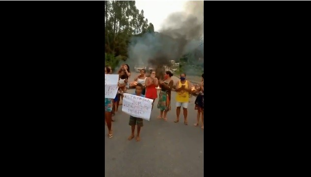 Moradores protestam por justiça após estupro de menino de três anos em Santa Luzia do Norte, AL