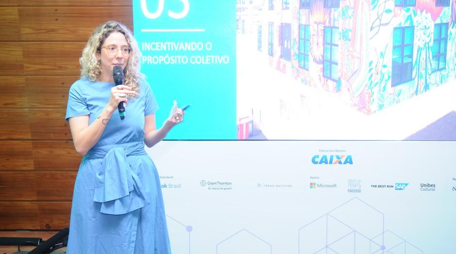 Iza Dezon, especialista em tendências da PerclerParis, durante FICE 2018 (Foto: Editora Globo/Rafael Jota)