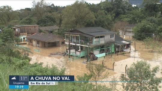 Mais de 40 municípios de SC têm estragos por causa das chuvas