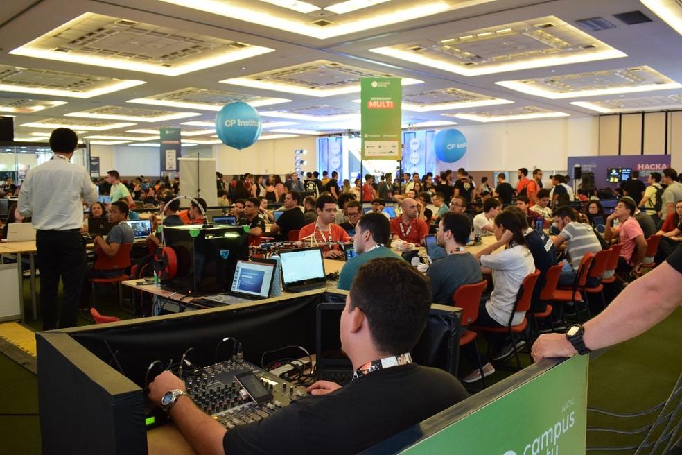 Campus Party Natal reuniu vários públicos para discutir, ensinar e aprender sobre tecnologia — Foto: Juliana Almeida