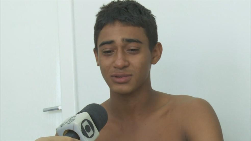 Jovem conta sobre tragédia com a esposa (Foto: Rede Amazônica/Reprodução)
