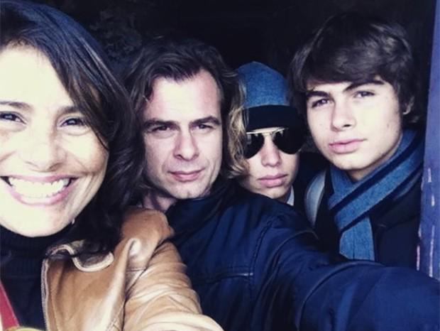 Valéria Alencar e  João Vitti com os filhos, Rafael e Francisco Vitti (Foto: Reprodução/ Instagram)