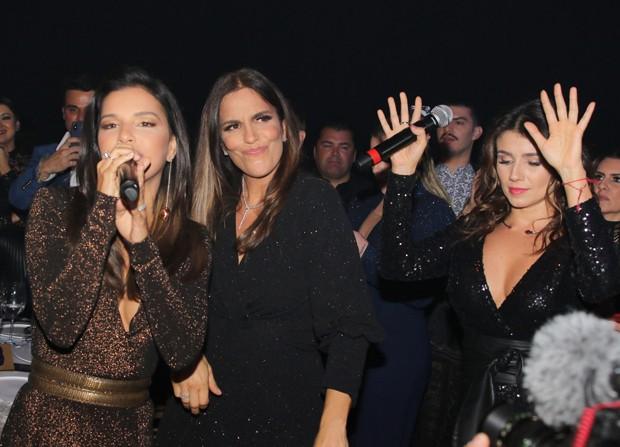 Mariana Rios, Ivete Sangalo e Paula Fernandes (Foto: Thiago Duran/AgNews)