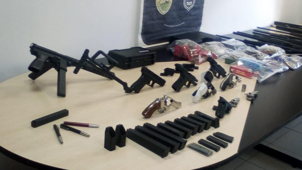 Ministério Público denuncia dono de clínica psiquiátrica que mantinha 24 armas em escritório