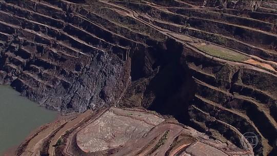 Defesa Civil trabalha com a possibilidade de paredão de mina em MG cair aos poucos