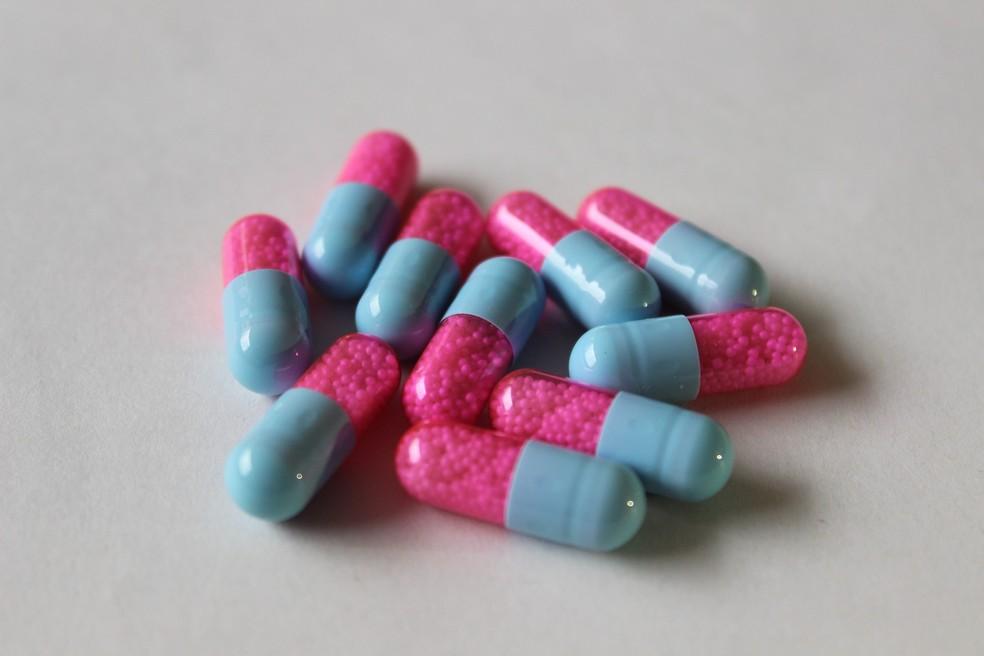 O uso prolongado de antibióticos também pode tornar resistentes as bactérias (Foto: Pixabay)