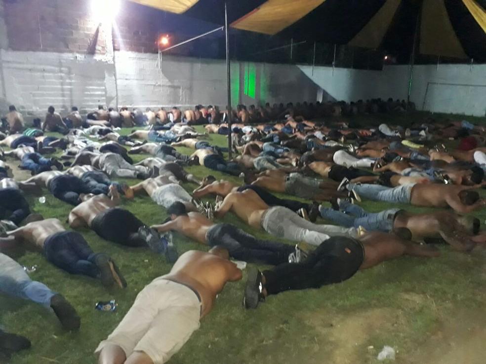 Mais de 80 suspeitos de integrar grupo de milicianos são presos em operação na Zona Oeste do Rio (Foto: Divulgação)