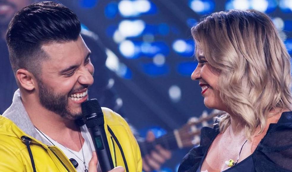 Murilo Huff e Marília Mendonça na gravação ao vivo do show 'Para ouvir tomando 1 - volume 2' — Foto: Flaney / Divulgação