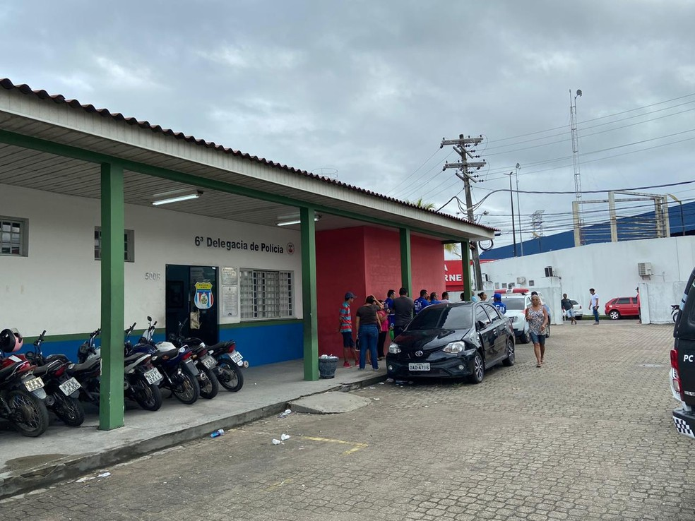 Caso foi registrado no 6º DIP, em Manaus — Foto: Patrick Marques/G1 AM