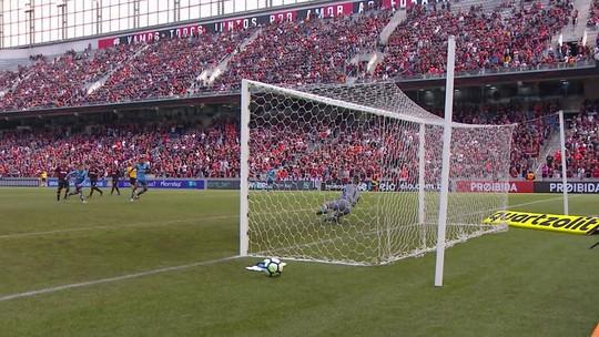 Santos fecha gol contra o Flamengo, leva atleticanos à loucura e mita no Cartola