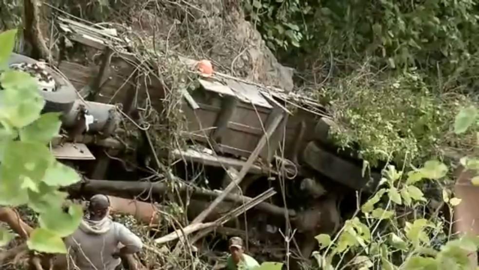 Motorista do veículo estava desaparecido desde o momento do acidente (Foto: TVM/Reprodução)