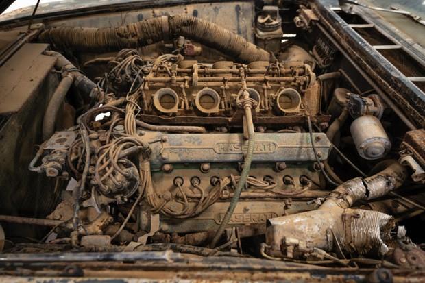 O motor 4,9 litros fazia do Maserati um dos carros mais rápidos do mundo (Foto: Divulgação)