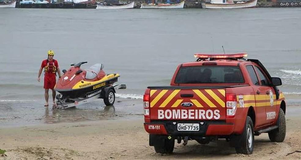 Bombeiros usaram moto aquática para fazer o resgate (Foto: Elvis Palma/Arquivo pessoal)