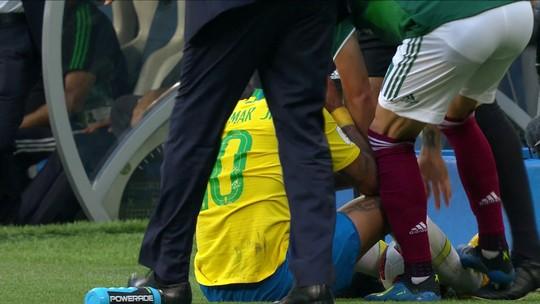 """Mais um: Van Basten critica Neymar e diz que """"simular não é uma boa atitude"""""""