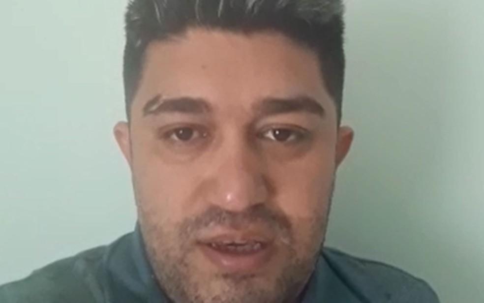 Pastor Pedro Teixeira gravou vídeo e o colocou nas redes sociais para se defender das acusações. Ele nega os crimes. — Foto: Reprodução/Redes sociais