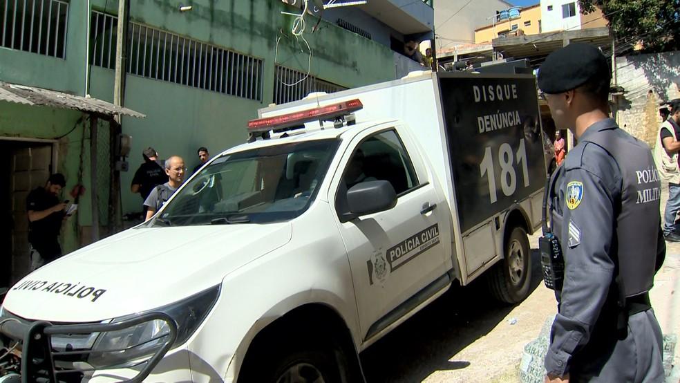 Mulher foi morta em casa e cunhada apedrejada em Vila Velha, Espírito Santo — Foto: Reprodução/ TV Gazeta