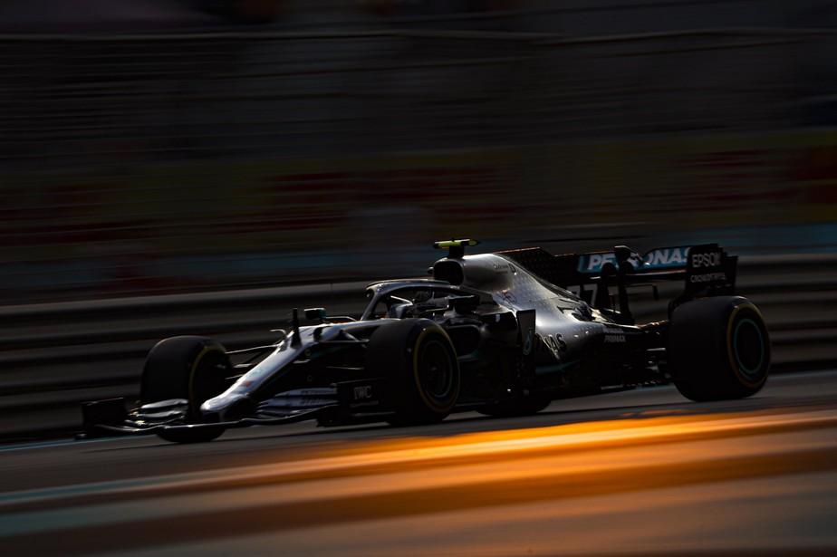GP de Abu Dhabi: Bottas volta a ser o mais rápido no segundo treino mas bate em Grosjean