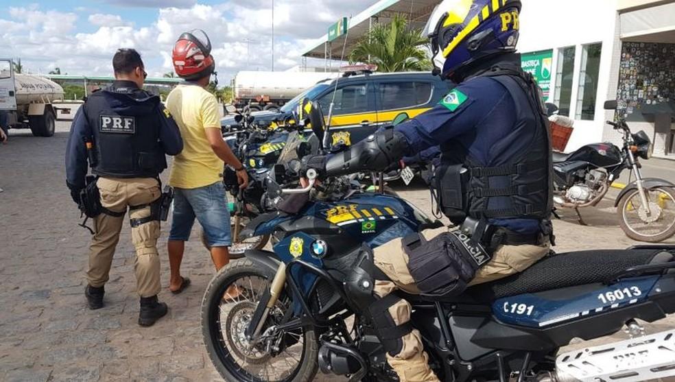 Operação da PRF nas rodovias federais baianas no Natal  — Foto: Divulgação/PRF