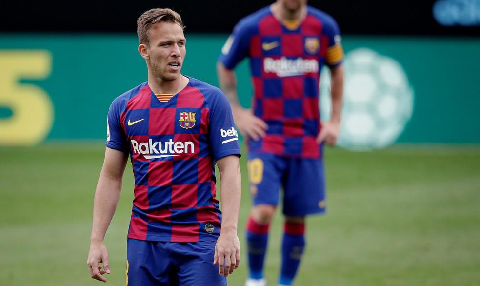 Arthur jogou os minutos finais do empate entre Barcelona e Celta no sábado — Foto: Getty Images