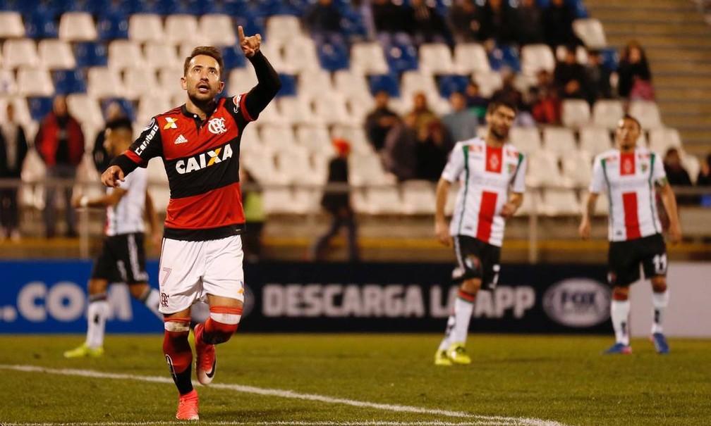 Everton Ribeiro comemora seu primeiro gol pelo Flamengo — Foto: Reuters