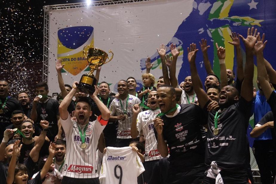 Corinthians massacra o Horizonte-CE e conquista o bicampeonato da Copa do Brasil de Futsal