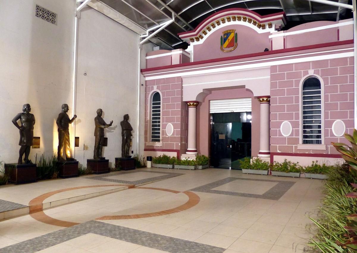 Câmara Municipal de Caruaru realiza sessão ordinária nesta sexta (15)