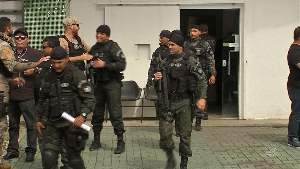-  Operação   39;strike  39; identifica pontos de tráfico e apreende droga em Boa Viagem  Foto: TV Verdes Mares/Reprodução