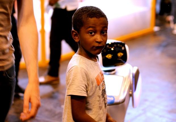 Mas não parecia que todas as crianças se davam bem com essas simpáticas máquinas… tecnologia - criança - robô  (Foto: Felipe Maia/Época NEGÓCIOS)