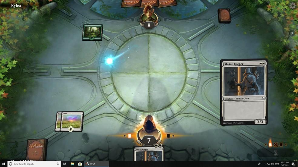 Use manas geradas pelos terrenos para conjurar suas mágicas no Magic Arena — Foto: Reprodução/Murilo Molina