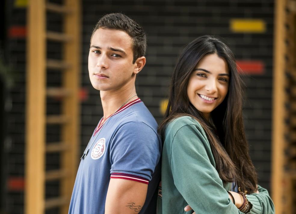Márcio (André Luís Frambach) e Pérola (Rayssa Bratillieri) vivem um namoro agitado em 'Malhação Vidas Brasileiras' — Foto: Globo/João Miguel Júnior