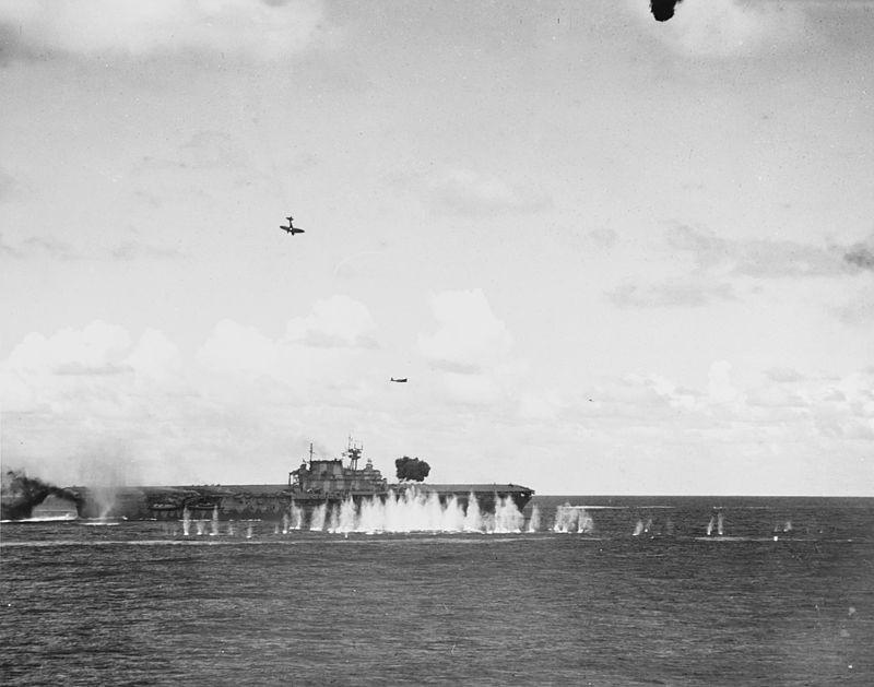 Ataque ao navio USS Hornet (Foto: Wikimedia Commons)