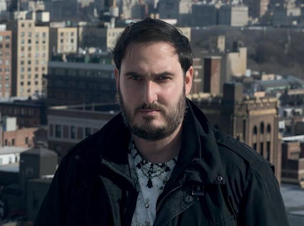 Ariel Elia em Nova York, onde mora há dez anos (Foto: Vicente De Paulo e Divulgação)