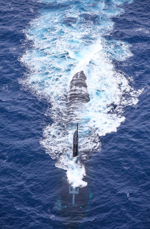Submarino americano USS Greeneville, fotografado no Atlântico Sul — Foto: Commander, Submarine Forces Atlantic / Reprodução / Twitter
