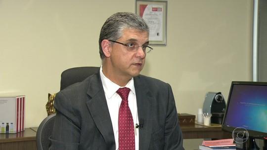 RJ vai quitar salários de maio e junho de servidores ainda nesta segunda, diz Pezão