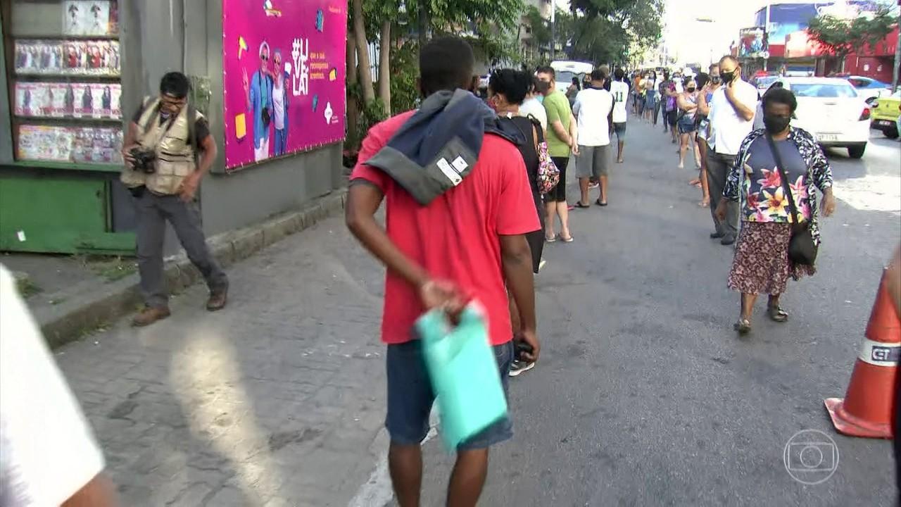 Paulo Guedes diz que volta do Auxílio Emergencial pode travar orçamento