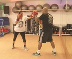 Narcisa aparecerá no reality lutando boxe | Divulgação