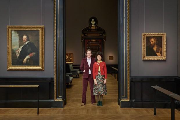 O cineasta Wes Anderson e sua companheira, a ilustradora e designer Juman Malouf (Foto: divulgação)