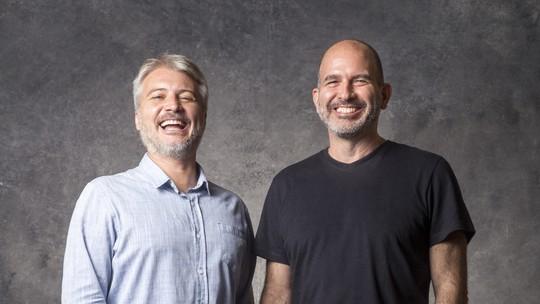 Fred Mayrink, Marcos Bernstein e Victor Atherino comemoram o sucesso de 'Orgulho e Paixão'
