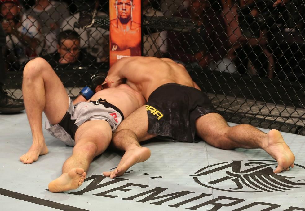 Rodolfo Vieira finalizou Oskar Piechota com um kata-gatame no UFC Uruguai — Foto: Getty Images
