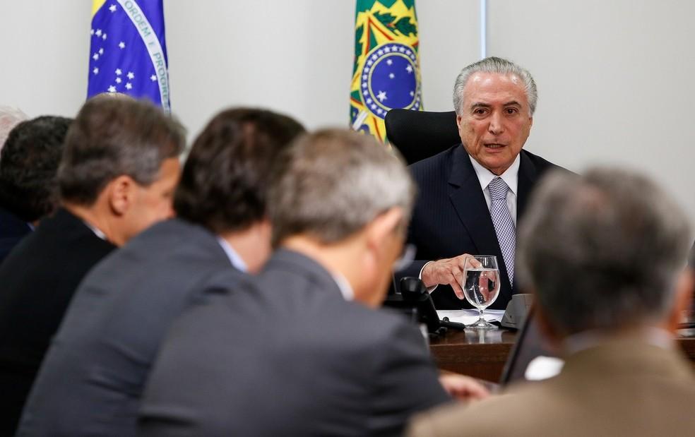 O presidente Michel Temer durante reunião com líderes da base aliada, no Palácio do Planalto (Foto: Alan Santos/PR)