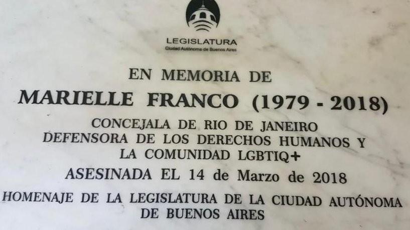 Metrô de Buenos Aires inaugura placa em homenagem a Marielle Franco
