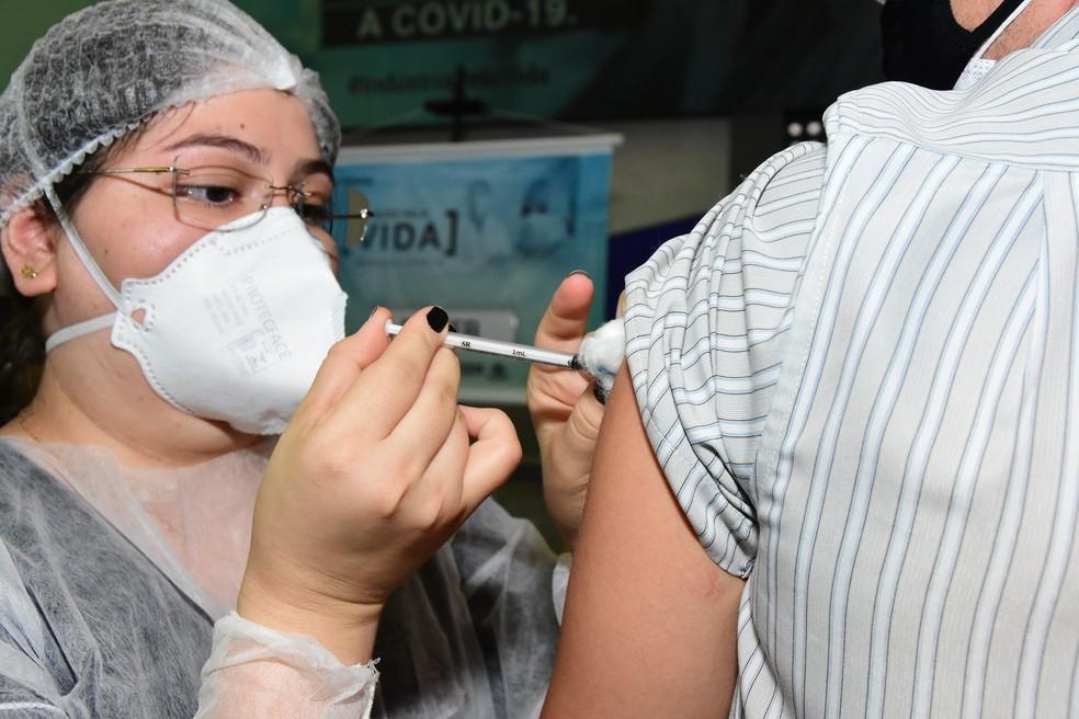 Imunização em Mossoró acontece neste domingo no ginásio municipal — Foto: Célio Duarte / Secom PMM