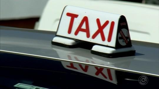 Taxista que teve carro roubado por casal se diz aliviado ao recuperar táxi: 'Ficaria meses sem trabalhar'