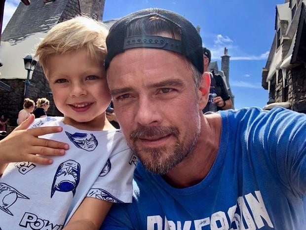 Josh Duhamel e o filho, Axl (Foto: Reprodução/Instagram)