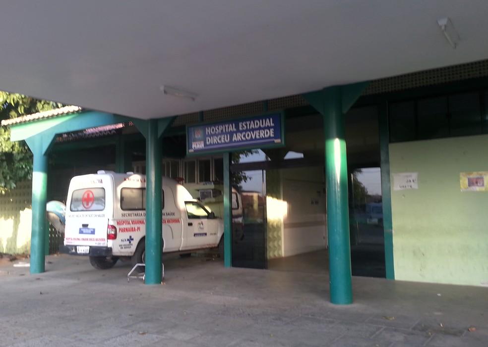 Hospital Estadual Dirceu Arcoverde, onde homem foi atendido após facada. (Foto: Patrícia Andrade/G1)