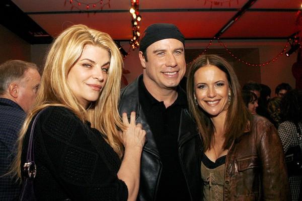 A atriz Kirstie Alley com o ator John Travolta e a esposa do astro (Foto: Getty Images)