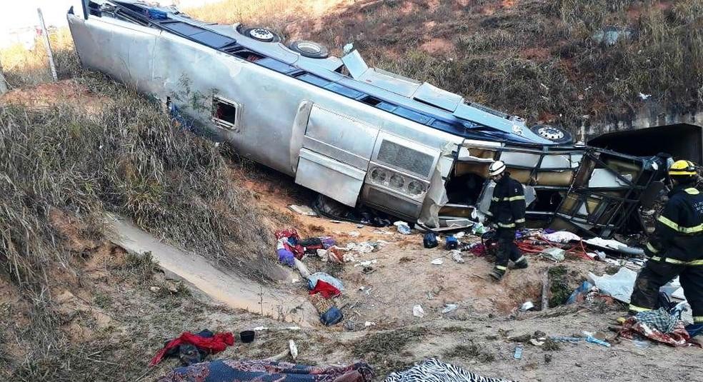 Corpos de paraibanos mortos em acidente em Minas Gerais chegam à PB. Um deles no Vale do Piancó